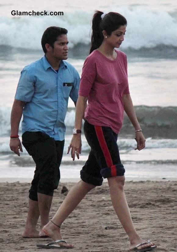 Shilpa Shetty Takes a Stroll on Juhu Beach