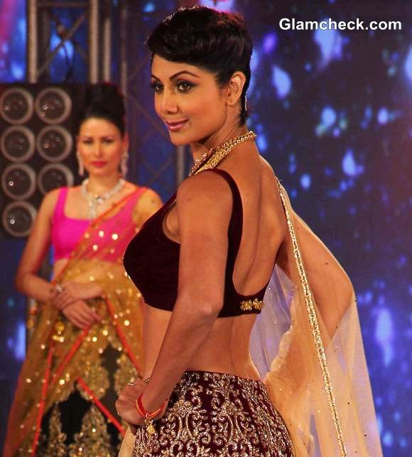 Shilpa Shetty in Lehenga at 2013 IBBS Fashion Show