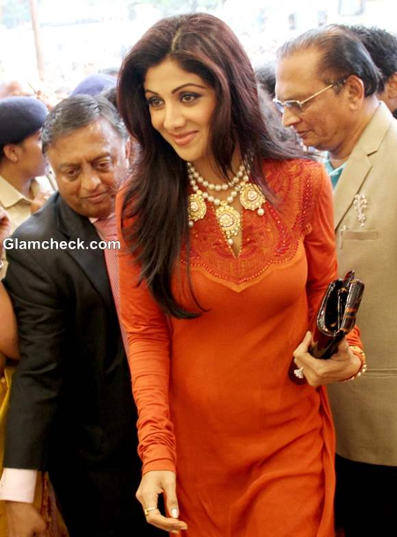 Shilpa Shetty in salwaar kameez 2013 pictures