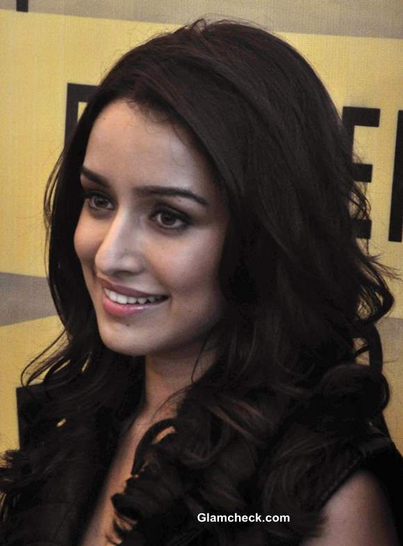 Shraddha Kapoor 2013 pictures at Forever 21 Store Launch