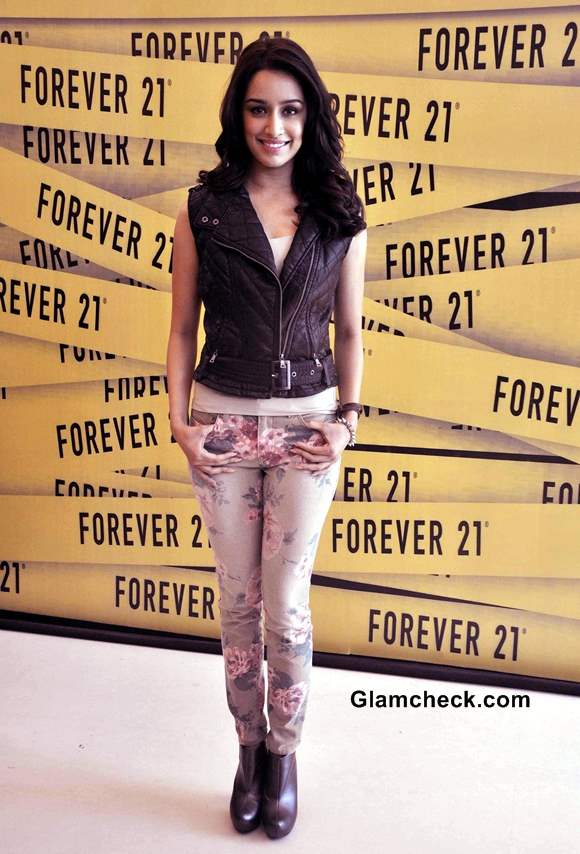 Shraddha Kapoor Sports Floral Pants at Forever 21 Store Launch