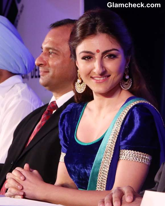 Soha Ali Khan Enourages Youth to Participate in Polls