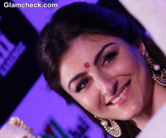 Soha Ali Khan Traditional Hairstyle makeup 2013