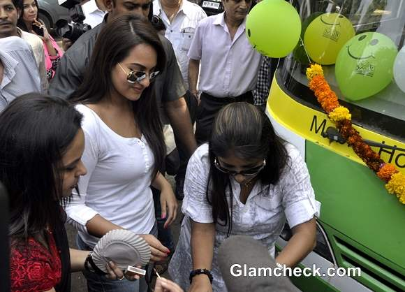 Sonakshi Sinha Launches Smile Foundations Mobile Hospital Programme 2013