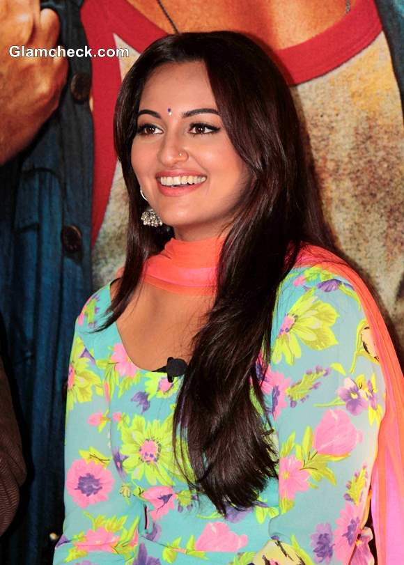 Sonakshi Sinha Look R Rajkumar Movie 2013