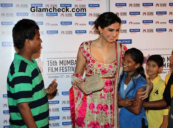 Sonam Kapoor 2013 Promotes Little Big People at 15th Mumbai Film Festival