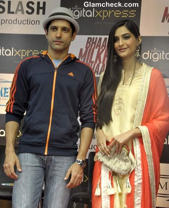 Sonam Kapoor and Farhan Akhtar Launch Bhaag Milkhaa Bhaag on Home Video