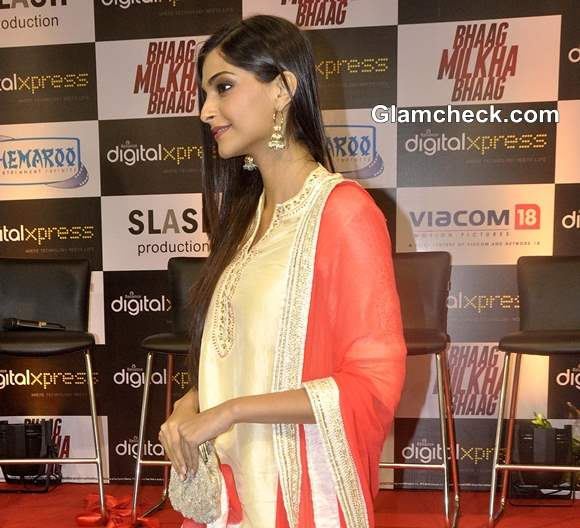 Sonam Kapoor traditional look pictures