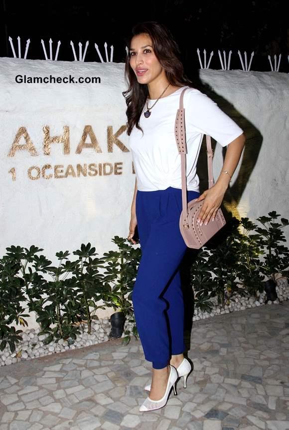 Sophie Choudry at Ahakzai by Alvira Khan Store Launch