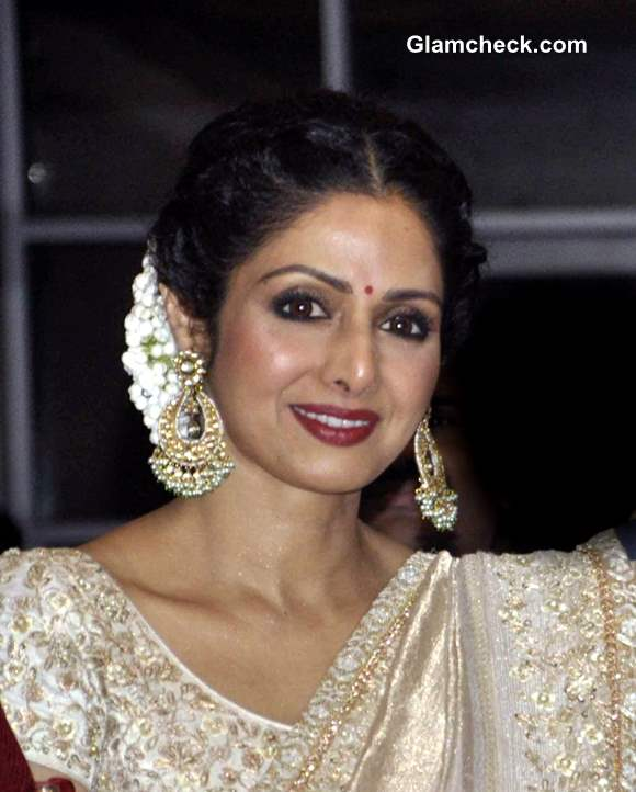 Sridevi In Mahe Ayyappan Sari At 2013 Yash Chopra Memorial Awards
