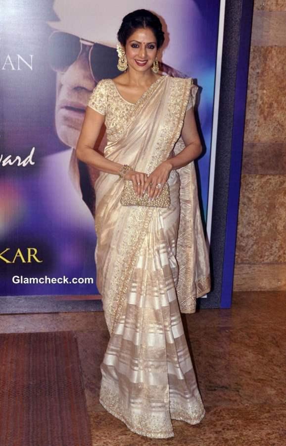 Sridevi in Mahe Ayyappan Sari at 2013 Yash Chopra Memorial Awards