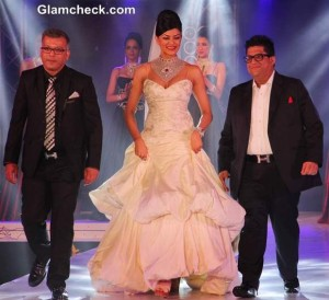 Celebs walk the ramp during the 1st Bullion and Jewellery Awards