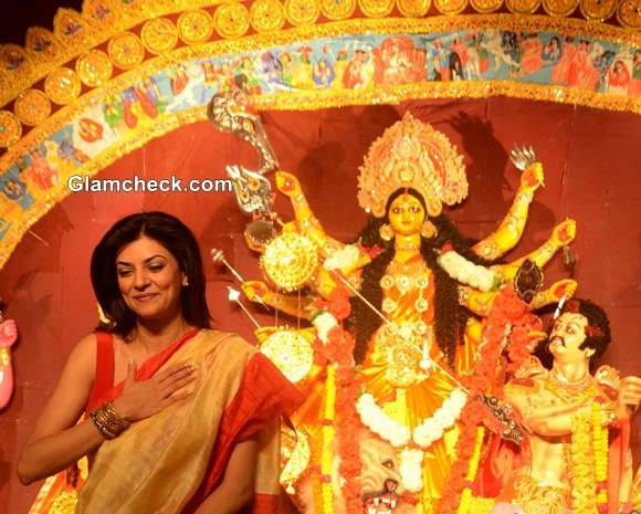 Sushmita Sen Bengali Beauty Look for Durga Puja 2013 Celebrations