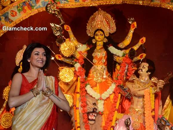 Sushmita Sen at Durga Puja 2013 Celebrations