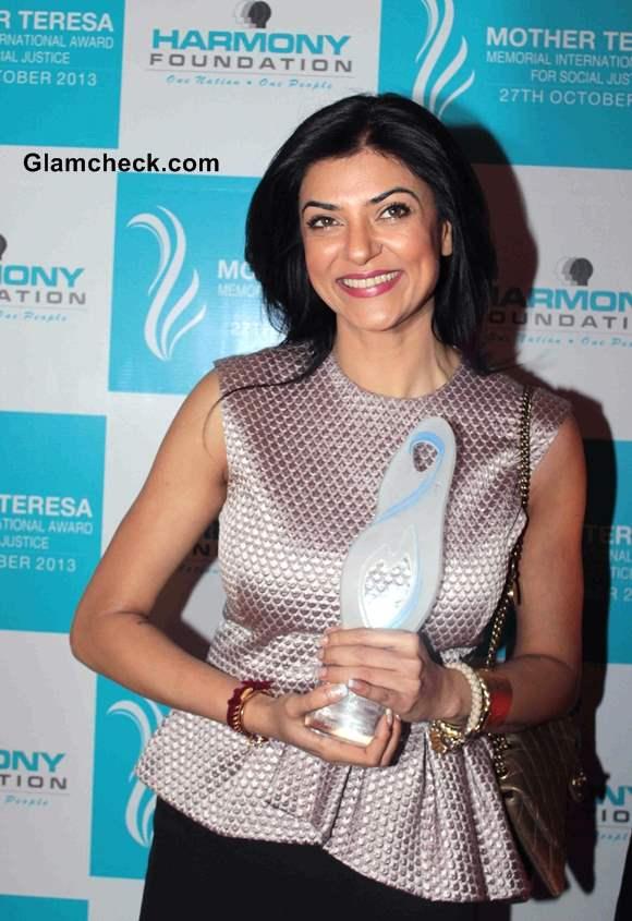 Sushmita Sen awarded Mother Teresa International Award 2013
