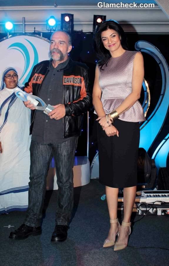 Sushmita Sen receives Mother Teresa International Award 2013