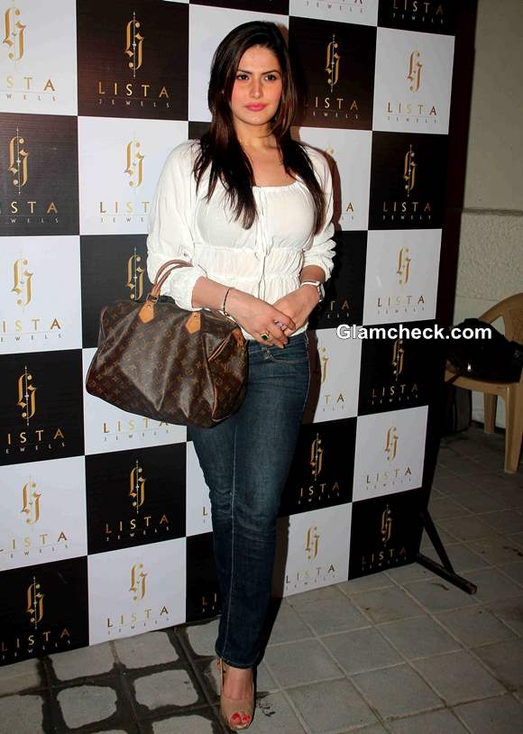 Zarine Khan in Western Casual Get-up at Lista Jewels Store Launch
