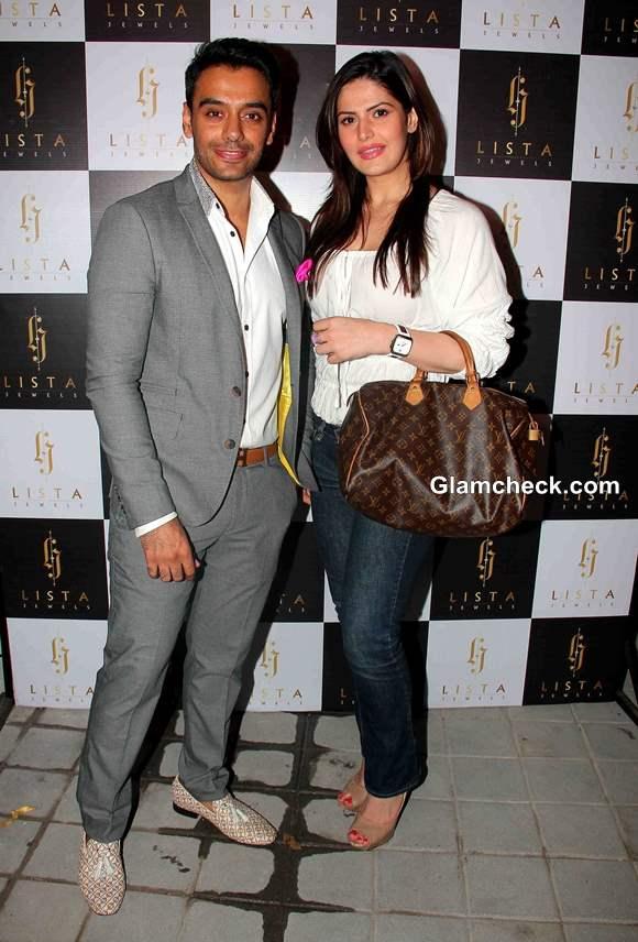 Zarine Khan with owner Lokesh Gurnani at Lista Jewels Store Launch