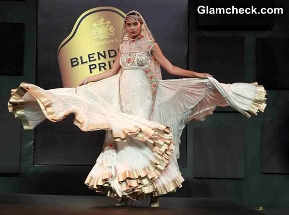 2013 Blenders Pride Fashion Tour Suneet Varma lehenga collection