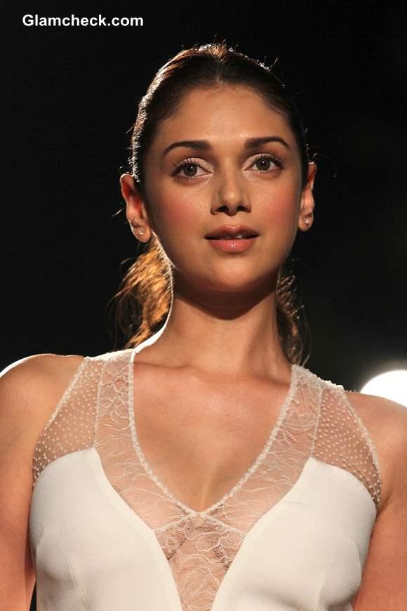 Aditi Rao Hydari Hairstyle