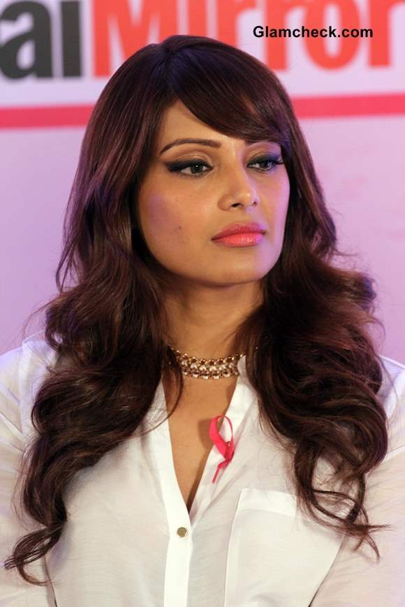 Bipasha Basu In A Blue Bodycon And Pink Heels For Breast Cancer