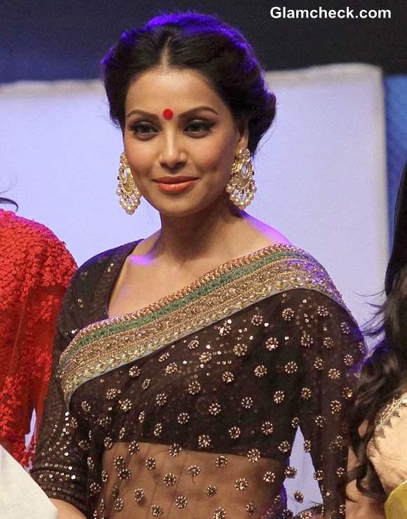 Bipasha Basu at Kolkata International Film Festival 2013