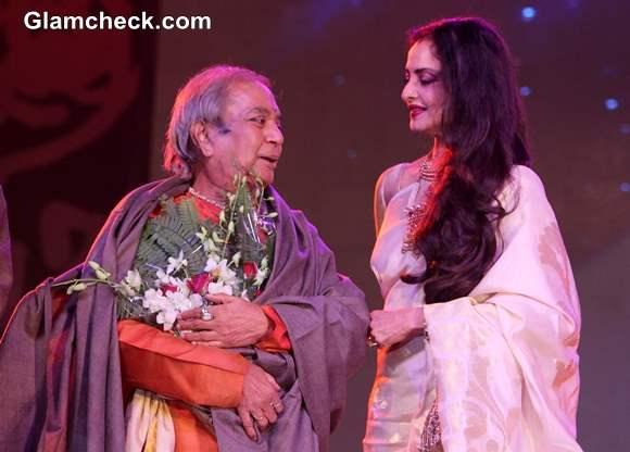 Birju Maharaj with Rekha at 44th International Film Festival in Goa