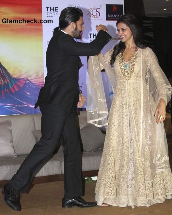 Deepika Padukone Promotes Ram-Leela in Gold Anarkali