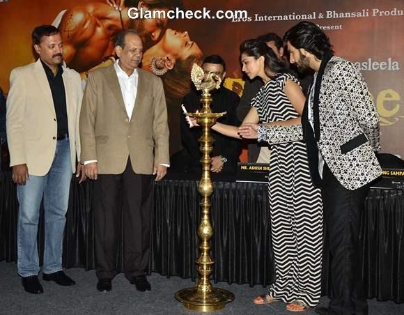 Deepika Padukone and Ranveer Inaugurate Cinepolis in Pune