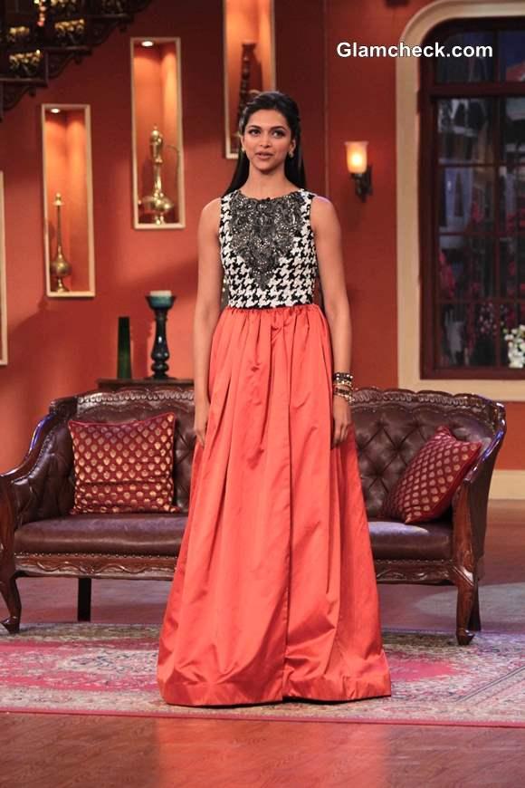 Deepika Padukone in Atsu Sekhose on Comedy Nights with Kapil