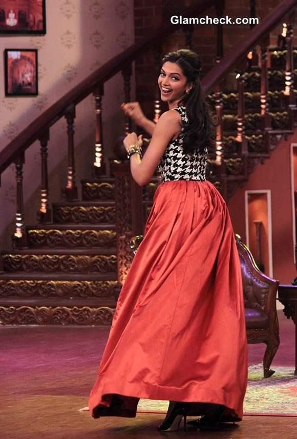 Deepika Padukone in Atsu Sekhose  skirt and top on Comedy Nights with Kapil