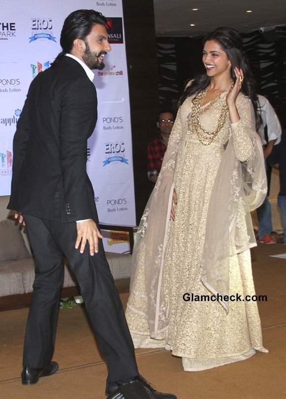 Deepika Padukone in Gold Anarkali Promotes Ram-Leela