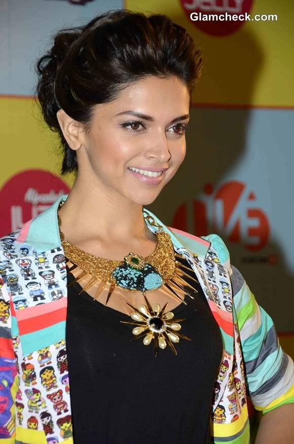 Deepika Padukone at 2013 Nickelodeon Kids Choice Awards