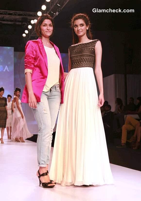 Diana Penty Walks for Drashta Sarvaiya at 2013 SIFW