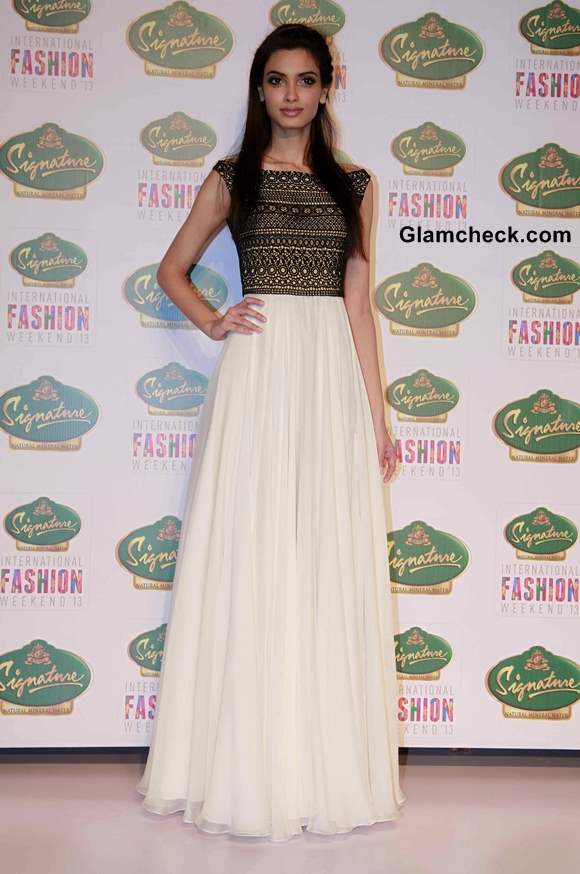 Diana Penty in Black and White outfit at SIFW  2013