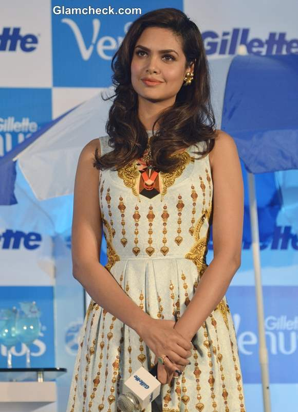 Esha Gupta 2013