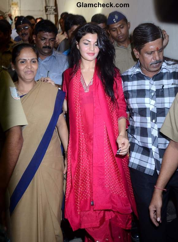 Jacqueline Fernandez Fights to Ban Horse-drawn Carriages