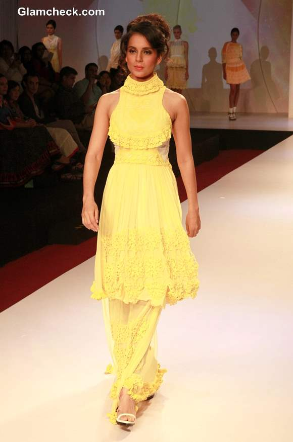 Kangana Ranaut at Signature International Fashion Week 2013
