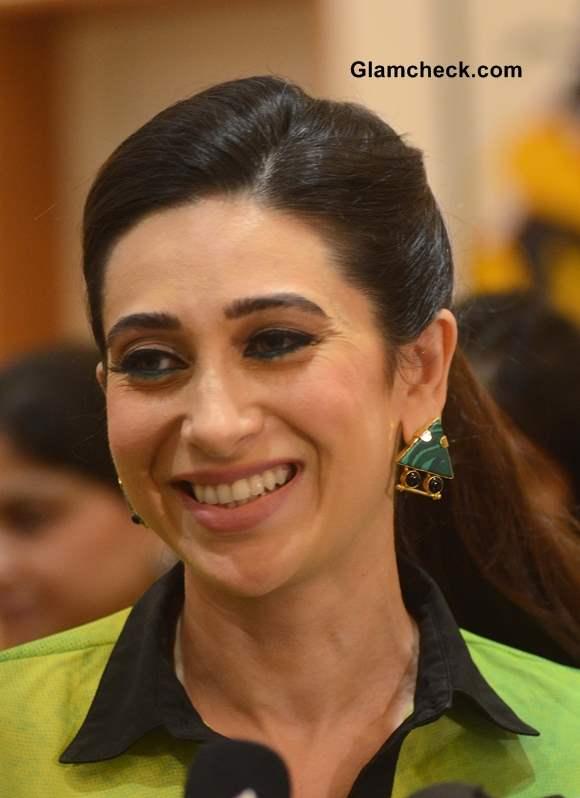 Karisma Kapoor 2013 at Bal Disha Art Exhibition