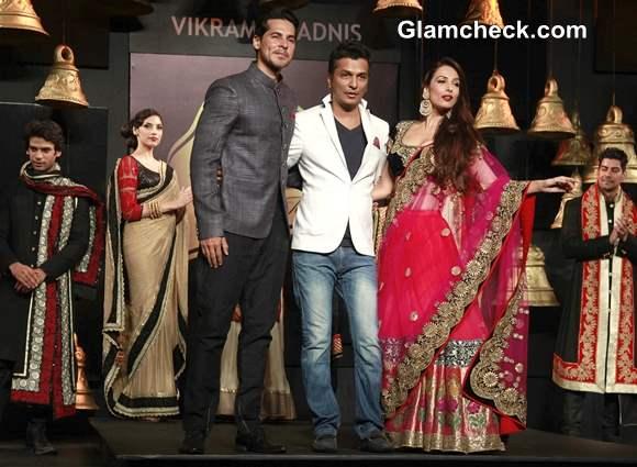 Malaika Arora Khan and Dino Morea walk for Vikram Phadnis at Blenders Pride Fashion Tour 2013 Mumbai