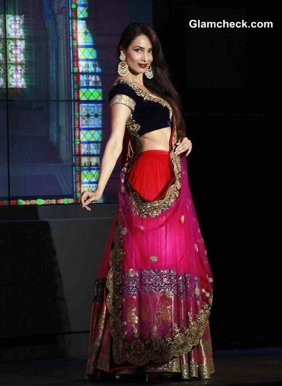 Malaika Arora Khan for Vikram Phadnis at Blenders Pride Fashion Tour 2013 Mumbai