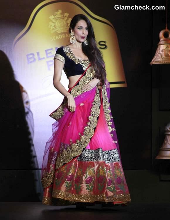 Malaika Arora Khan for Vikram Phadnis at Blenders Pride Fashion Tour 2013