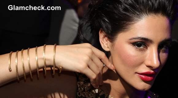 Nargis Fakhri Azva Jelwelry at amfAR India 2013