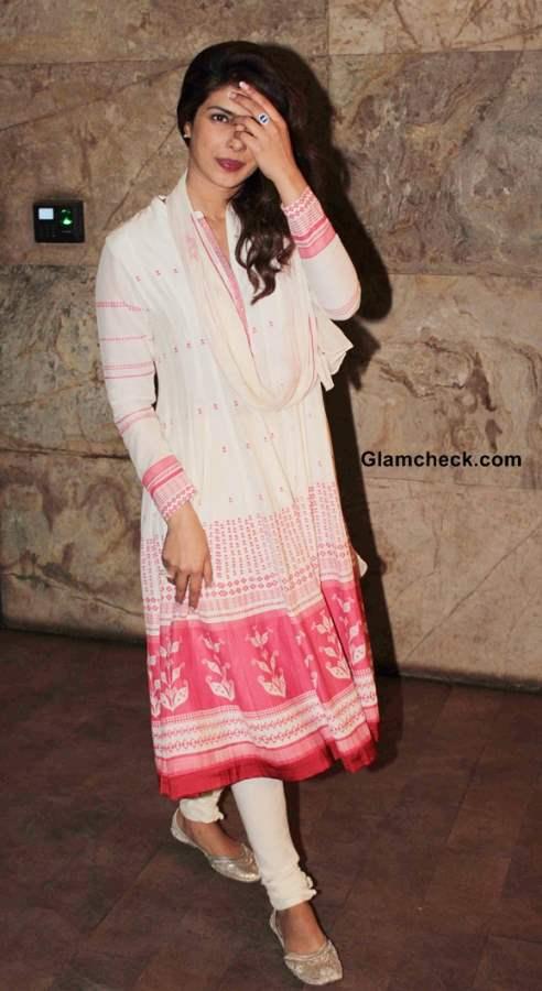 Priyanka Chopra 2013 pictures at Ram-Leela Screening