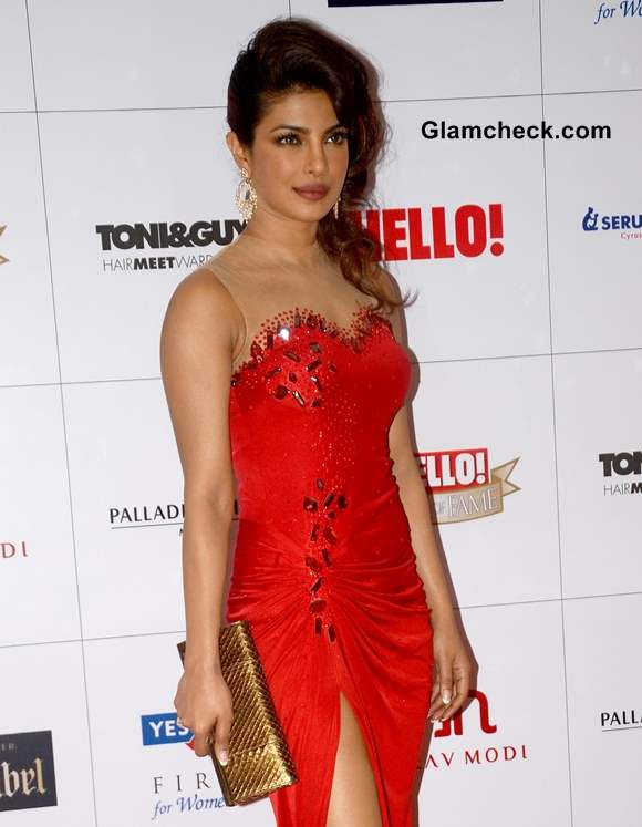 Priyanka Chopra at Hello Magazine Awards 2013