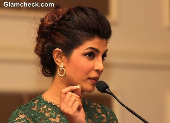 Priyanka Chopra latest pics 2013