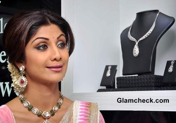 Shilpa Shetty 2013 Traditional Bun hairstyle with Gajra