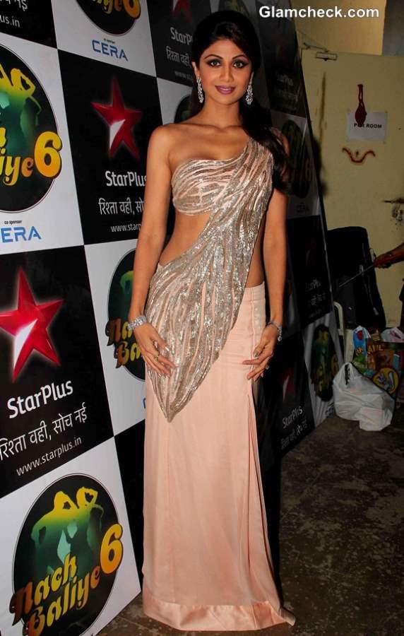 Shilpa Shetty Stunning during Diwali celebration on Nach Baliye 6
