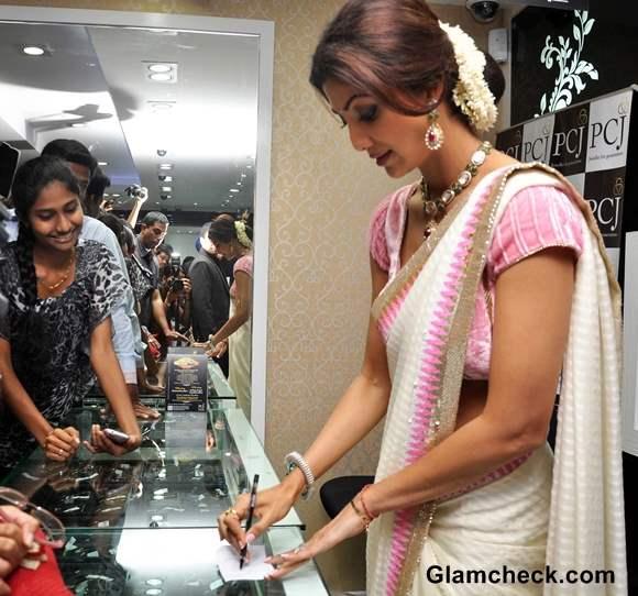 Shilpa Shetty at P C Jewelers Inaguration in Mangalore