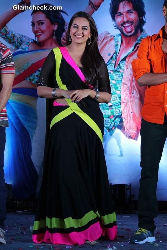 Sonakshi Sinha 2013 at  Music launch of R Rajkumar